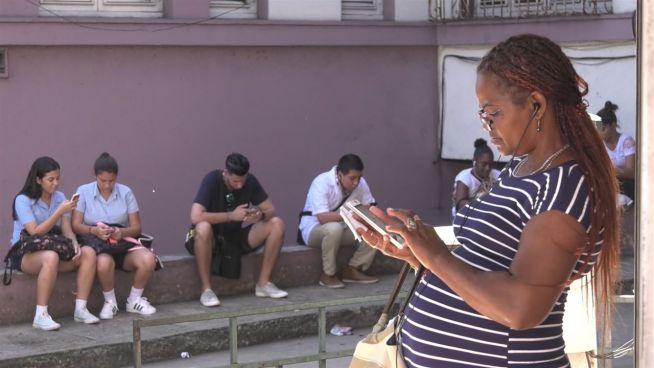 Download fast unmöglich: Kubaner hadern mit Internet