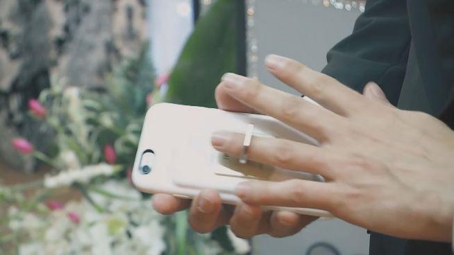 Traumhochzeit: Mann heiratet sein Smartphone