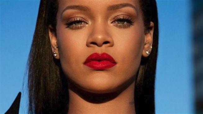 Wut-Post: Deswegen attackiert Rihanna Snapchat scharf