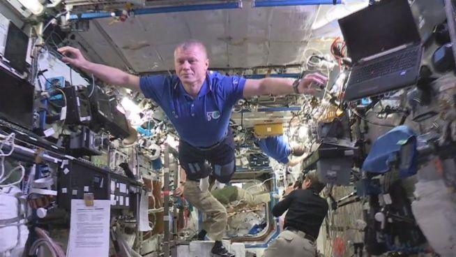 Besser geht's nicht: Mannequin-Challenge im Weltraum