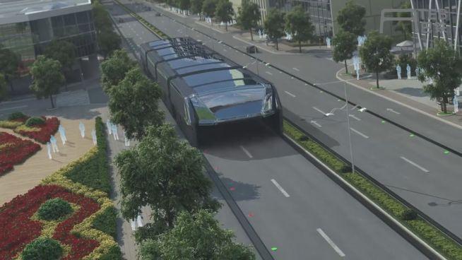 Vision wird wahr: Dieser Bus fährt über Stau hinweg